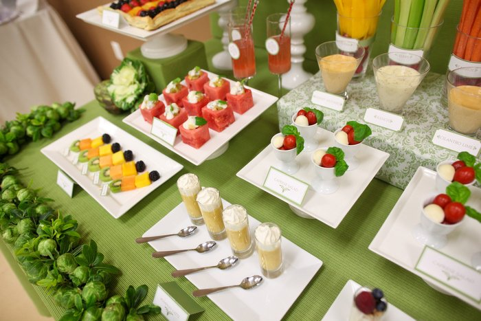 Mesas buffet para sorprender burgos nupcial for Decoracion con verduras