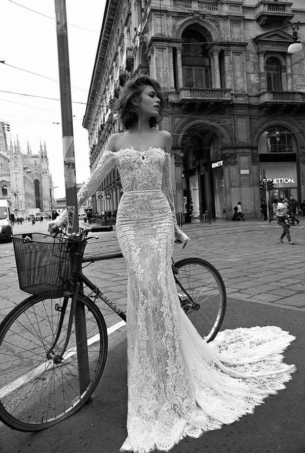 More bridal perfection from another wonderful Israeli designer. Click here for the full gallery of Liz Martinez 2015 collection.