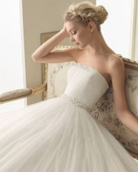 Encontrado en vestidos-de-novias.hispabodas.com