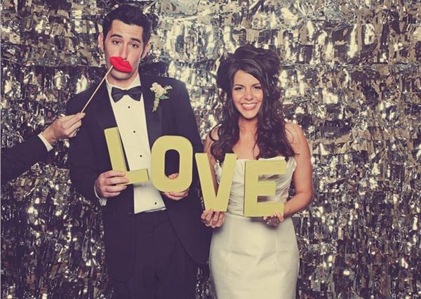 www.weddingpartyapp.com
